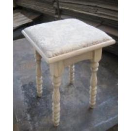 Табурет деревянный  кухонный точеный мягкий