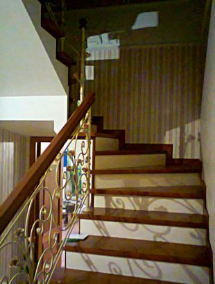 Обшить лестницу ясенем