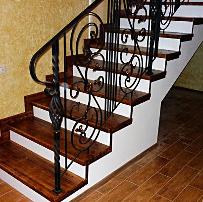 Отделать лестницу деревом Киев